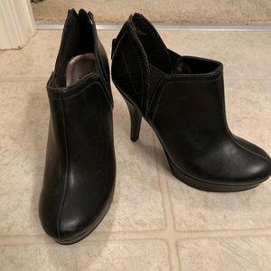 Kenneth Cole Black Bootie Heels